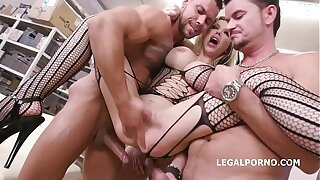 Caged, Barbie Sins used be advantageous to sex with Boloney Deep Anal, Squirt d., DAP, Buttrose, Creampie At-home GIO1265